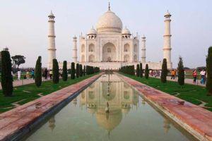 Taj Mahal, Agra, Uttar Pradesh, India, UNESCO World Heritage Site Taj Mahal, Agra, Uttar Pradesh, Inde, Site du Patrimoine Mondial de l'UNESCO Taj Mahal, Agra, Uttar Pradesh, Indien, Welterbe der UNESCO
